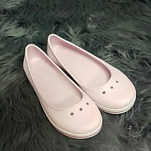 Girls light pink slip on crocs